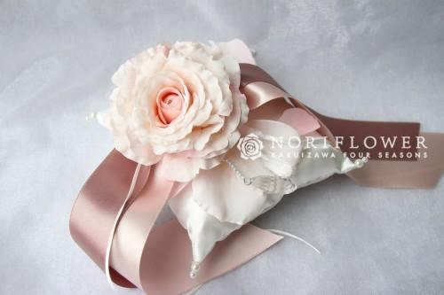 リングピロー 淡いピンク クッションタイプ