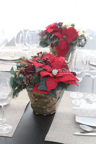 クリスマスアレンジ クリスマスフラワーアレンジ 軽井沢フラワーショップ クリスマステーブルフラワー クリスマステーブル 軽井沢クリスマス