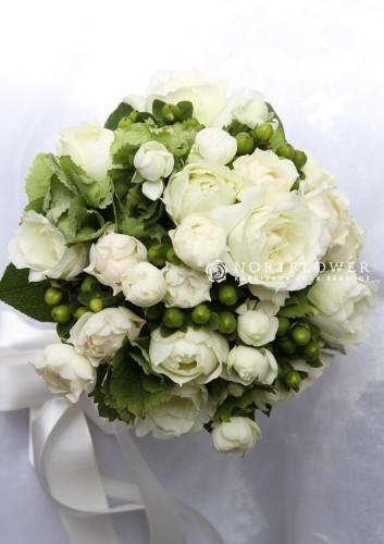 ホワイト&ライムグリーン ウェディングブーケ クラッチ