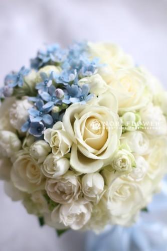 ホワイト&ブルー ラウンドブーケ 生花