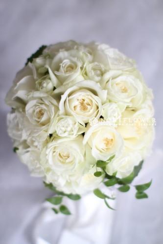 白ホワイト ラウンドブーケ 生花