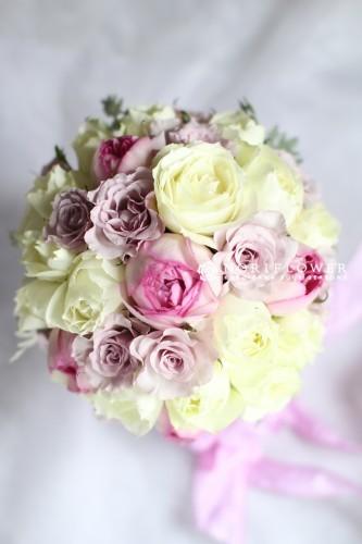 ホワイト&ピンク ラウンドブーケ 生花