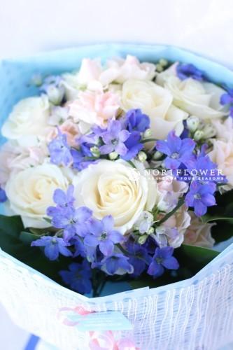 花束 ブルー&ピンク&ホワイト