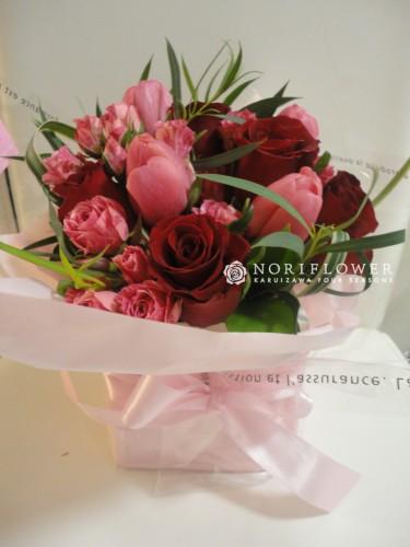 バレンタインフラワー アメリカNYにて クラッチタイプ 花器入り